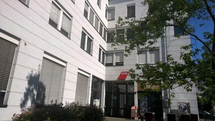 Eingang des DGB Hauses Bonn