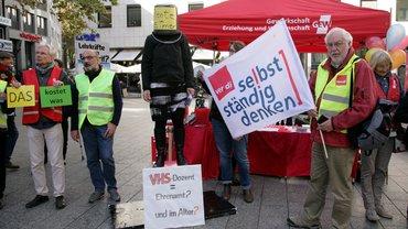 Honorarkräfte der Stadt Köln demonstrieren gegen prekäre Beschäftigung am 5.10.2018.