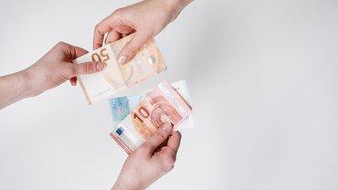 Geld Geldschein Hände Forderung Verhandlung Übergabe